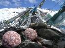 Zhongdian naar Lhasa - Gebedsstenen op de top van een bergpas